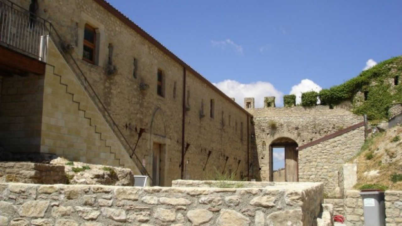 Aragon Montalbano Elicona